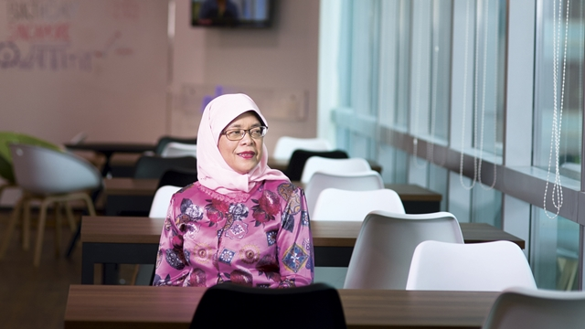Singapore elects former Speaker of Parliament and veteran unionist Halimah Yacob as the first female President of Singapore on 13 September 2017.